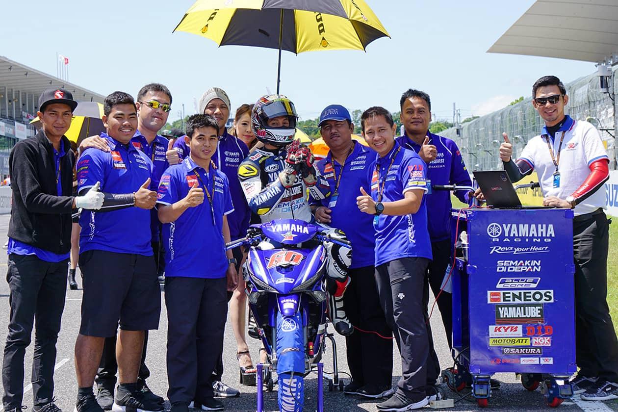 Pebalap Banyumas Wahyu Aji Bawa Yamaha MX King 150 Podium